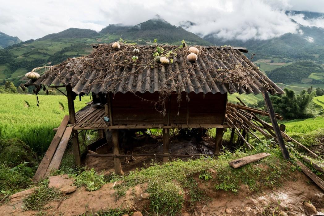 ruta en moto por el norte de vietnam foto de bisual studio