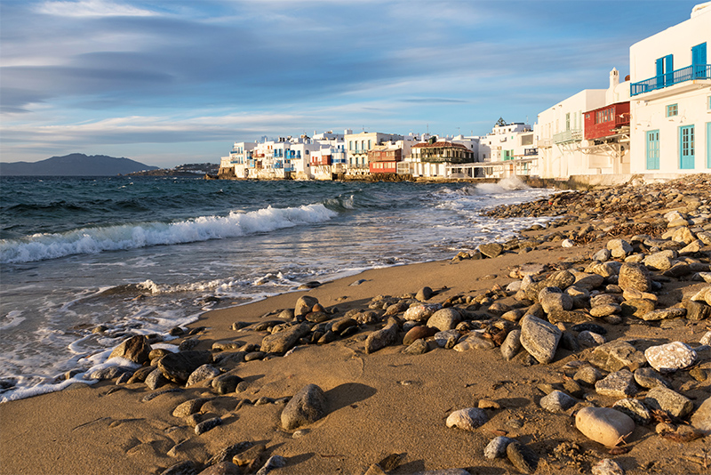 playa en miconos, grecia