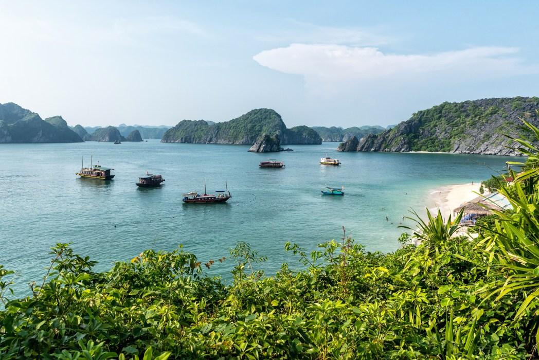 bahía de halong en vietnam - foto de Bisual Studio