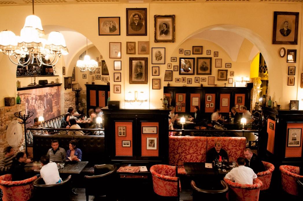 Cafetería mona en Brasov Rumanía