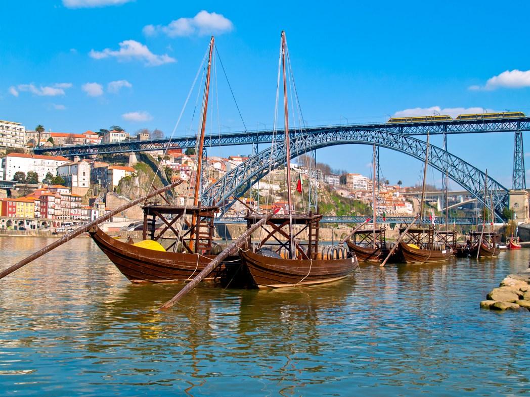 vistas de Oporto y su puente