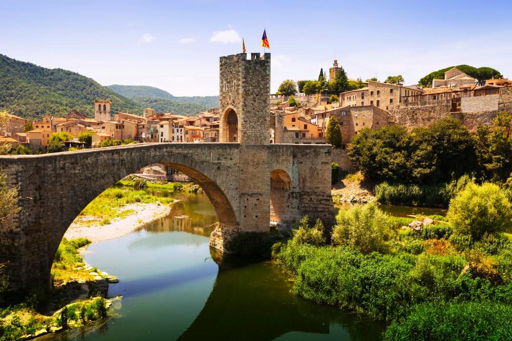 Pueblo medieval de Besalú en Girona