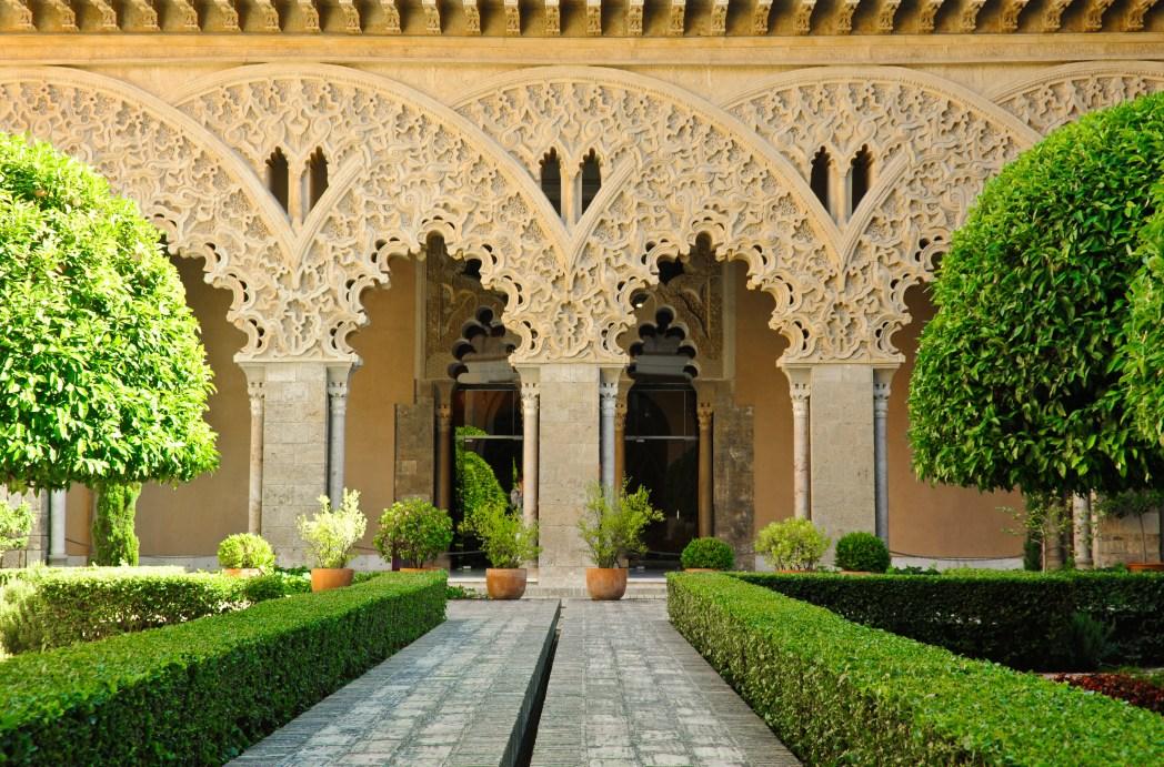 Interior del palacio de la aljafería en Zaragoza