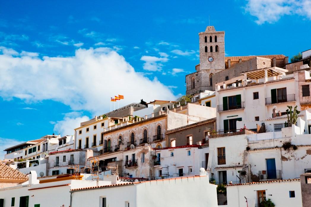 Ibiza dalt vila visto desde el mar
