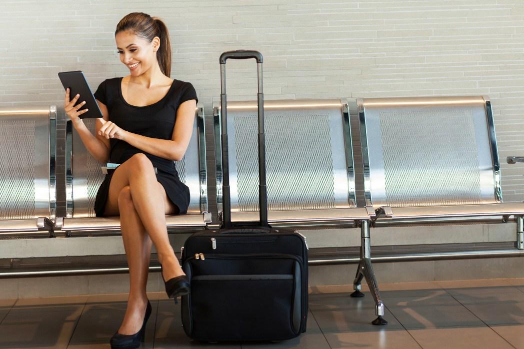 código de vestimenta para enfrentarte a un vuelo de larga distancia