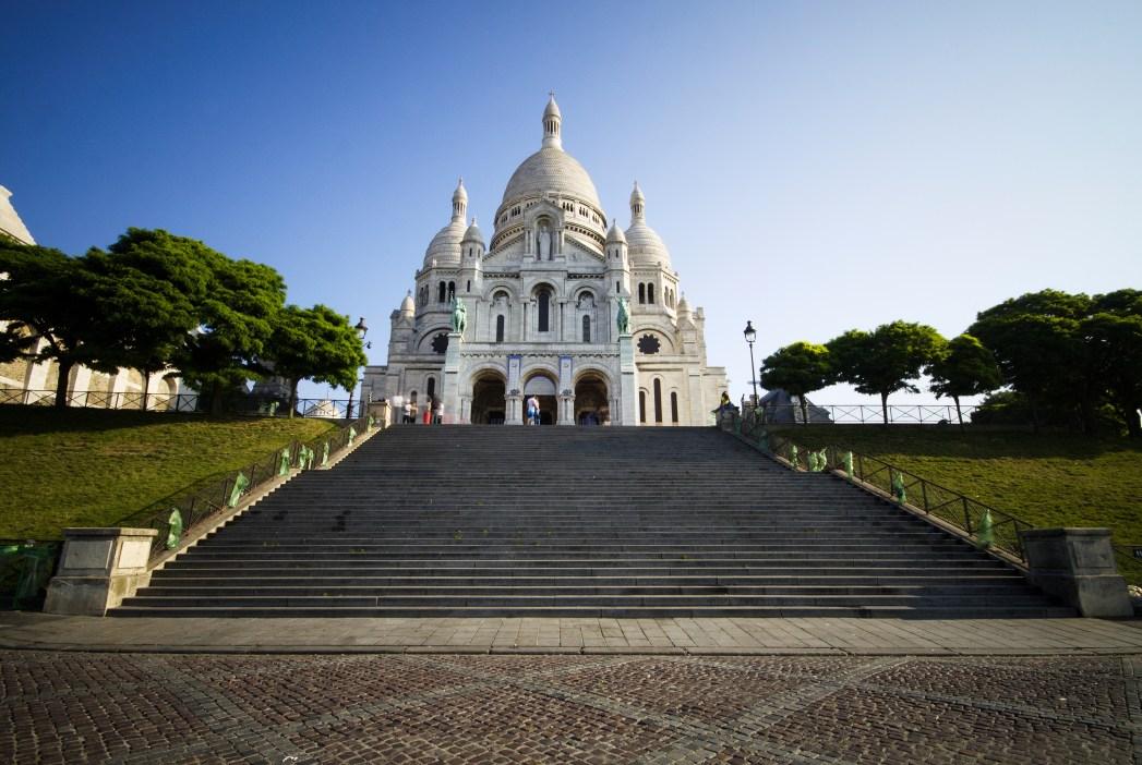 La Basílica del Sagrado Corazon corona Montmartre