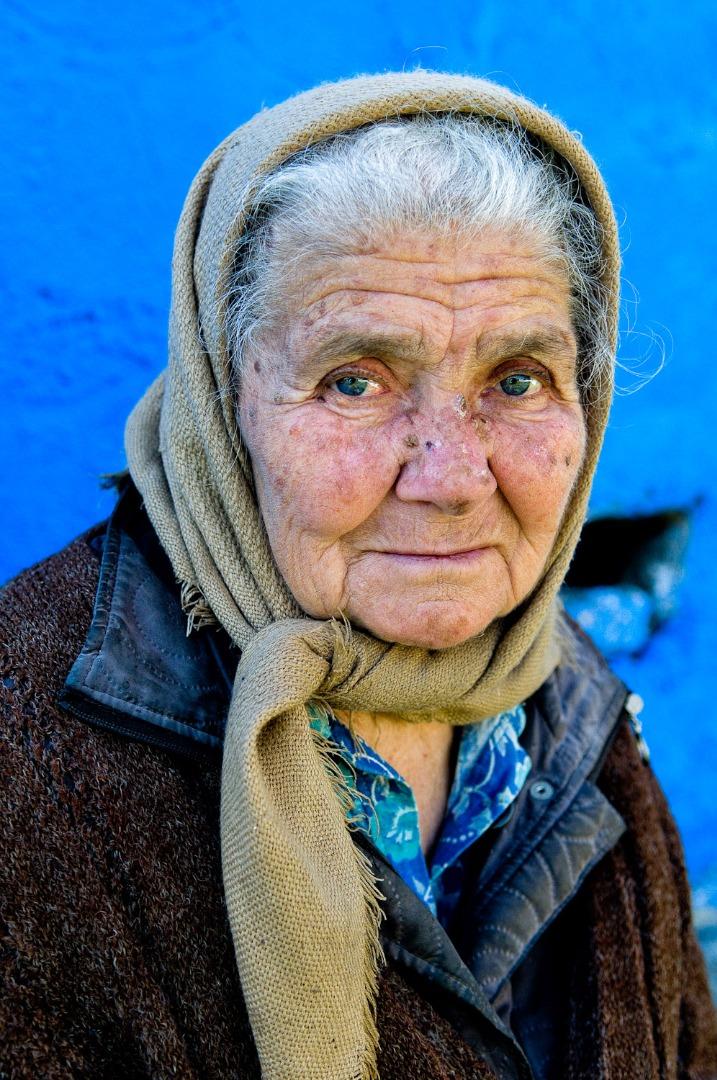 anciana en sibiu rumanía
