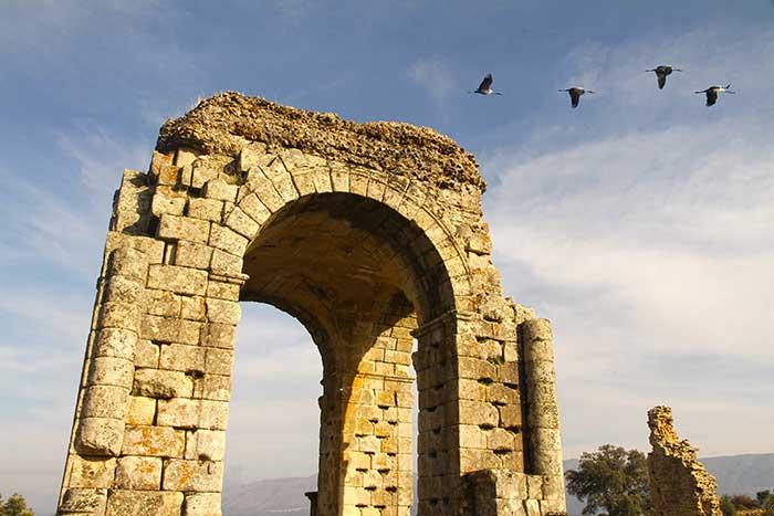 Arco Romano de Cáparra en Extremadura Via © Turismo de Extremadura