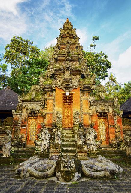 Puerta balinesa