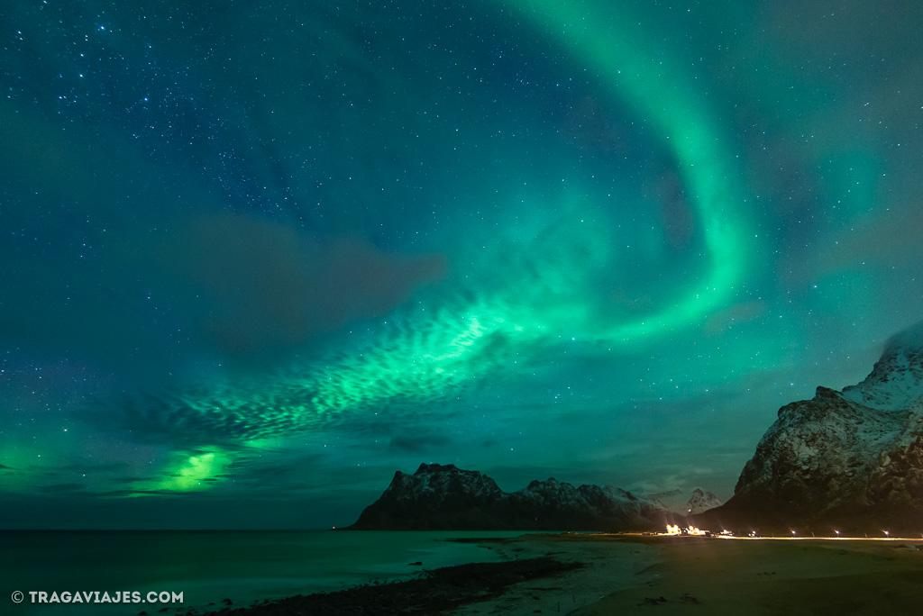 aurora boreal en noruega foto de tragaviajes