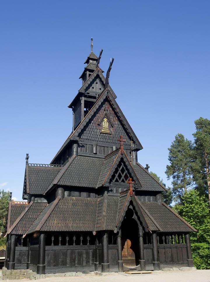 iglesia de madera de gol en el museo noruego de historia cultural en oslo