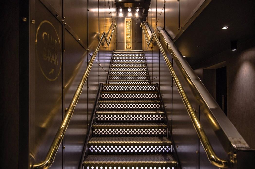 escaleras en el hotel gotham de manchester
