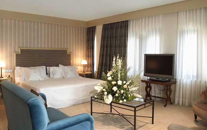 © Gran Hotel La Perla