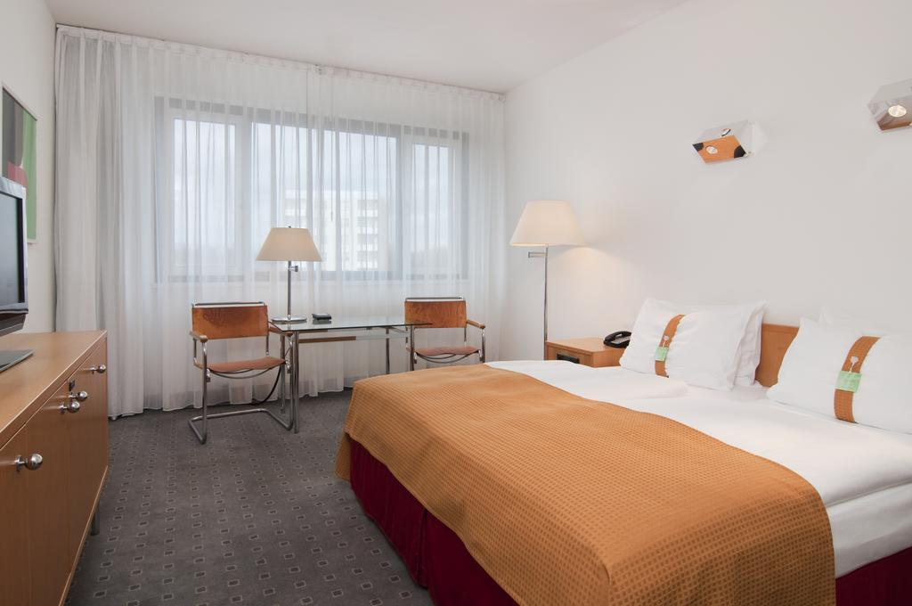 habitación del hotel Holiday Inn Berlin-City West en Berlín
