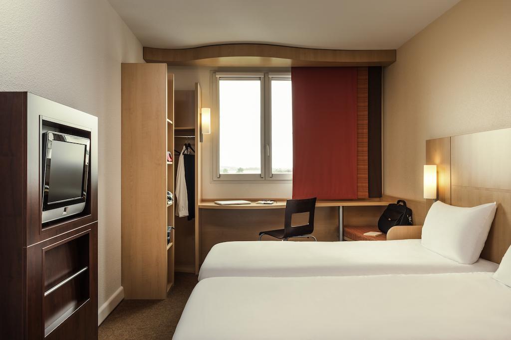 habitación del hotel Ibis Paris CDG Airport en París