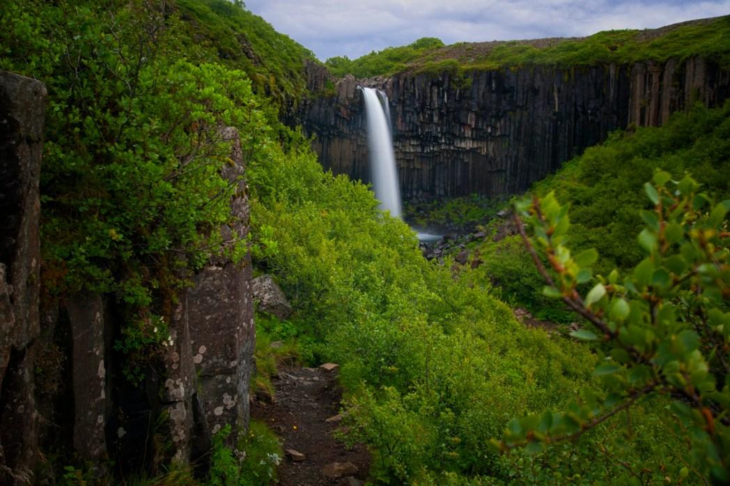 Cascada Svartifoss, Austurland, Islandia