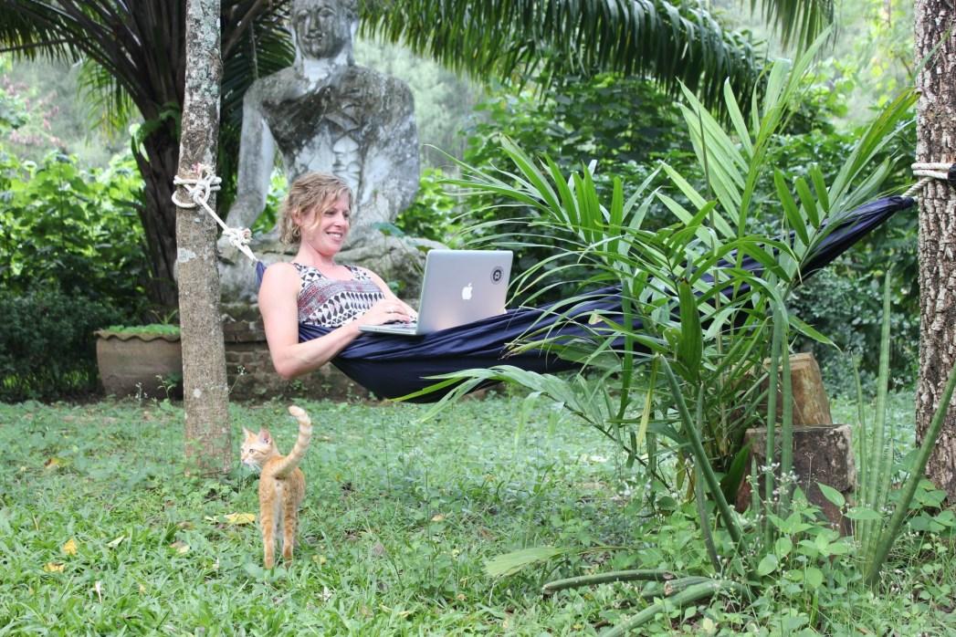 espacio de coworking kohub en koh lanta tailandia