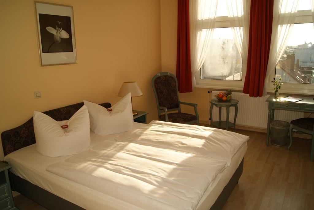 habitación del Hotel Larat en Berlín