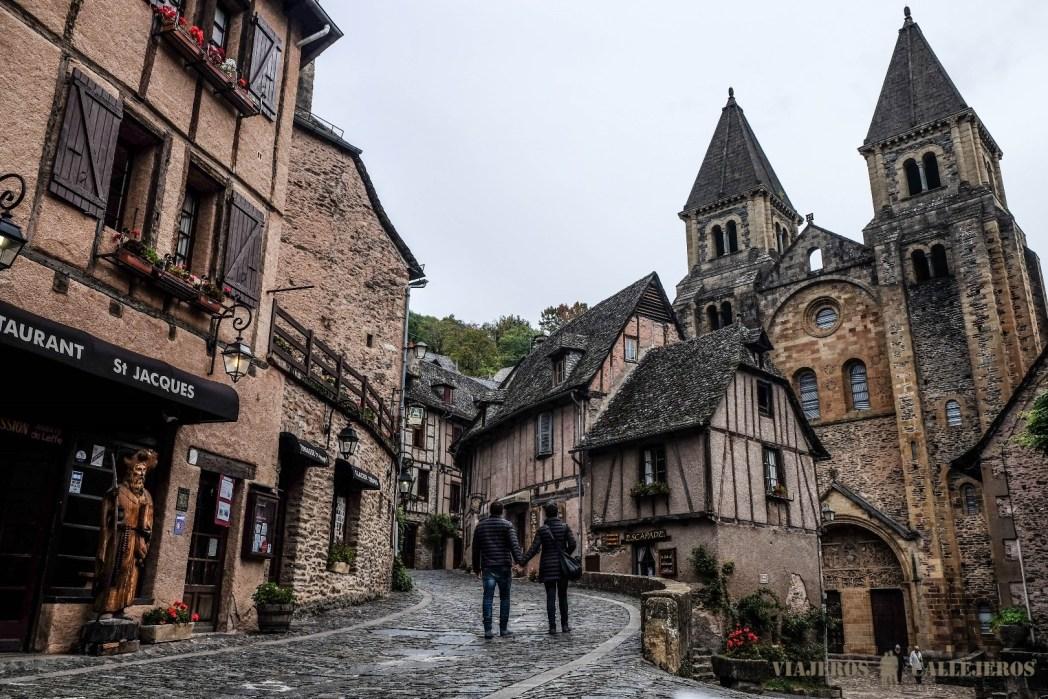 pueblo en midi-pyrenees francia