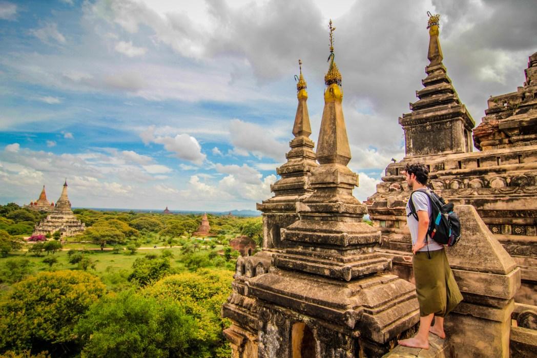 alberto de mochileros tv en myanmar