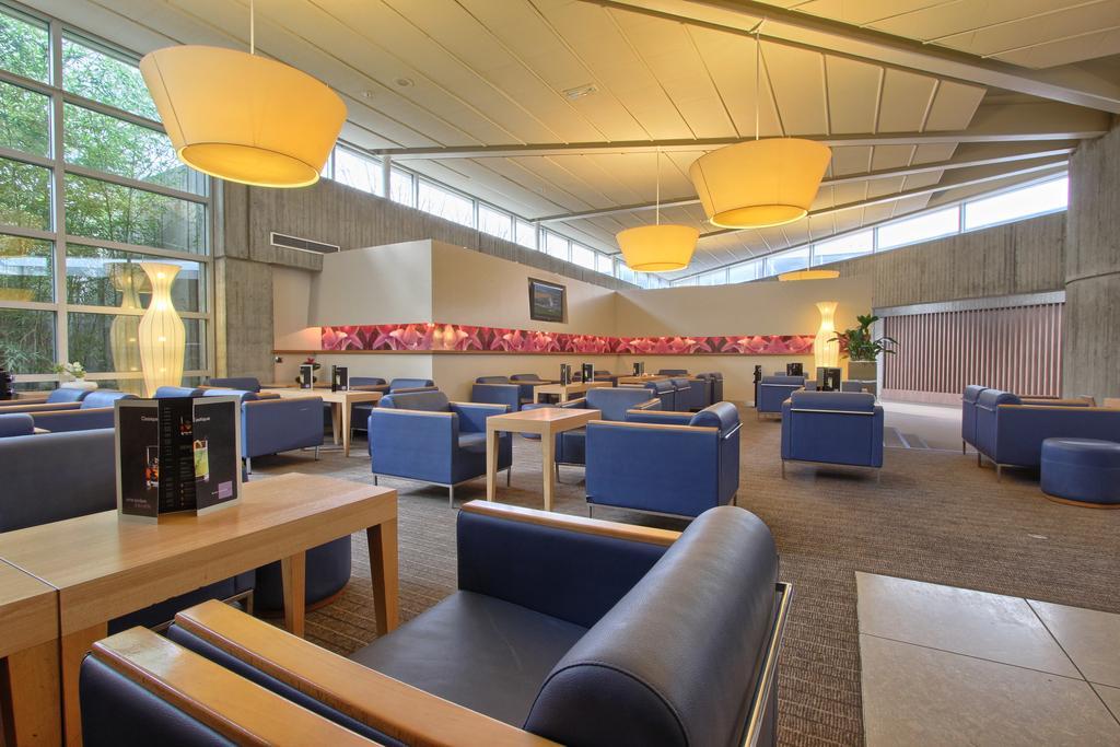 lounge del hotel Novotel Paris Charles de Gaulle Airport en París