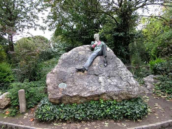 Oscar Wilde estatua