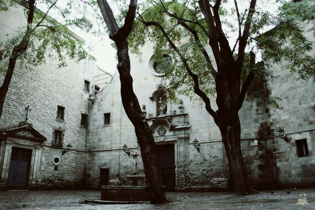 plaza sant felip neri en barcelona
