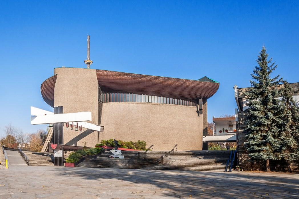 iglesia moderna en cracovia