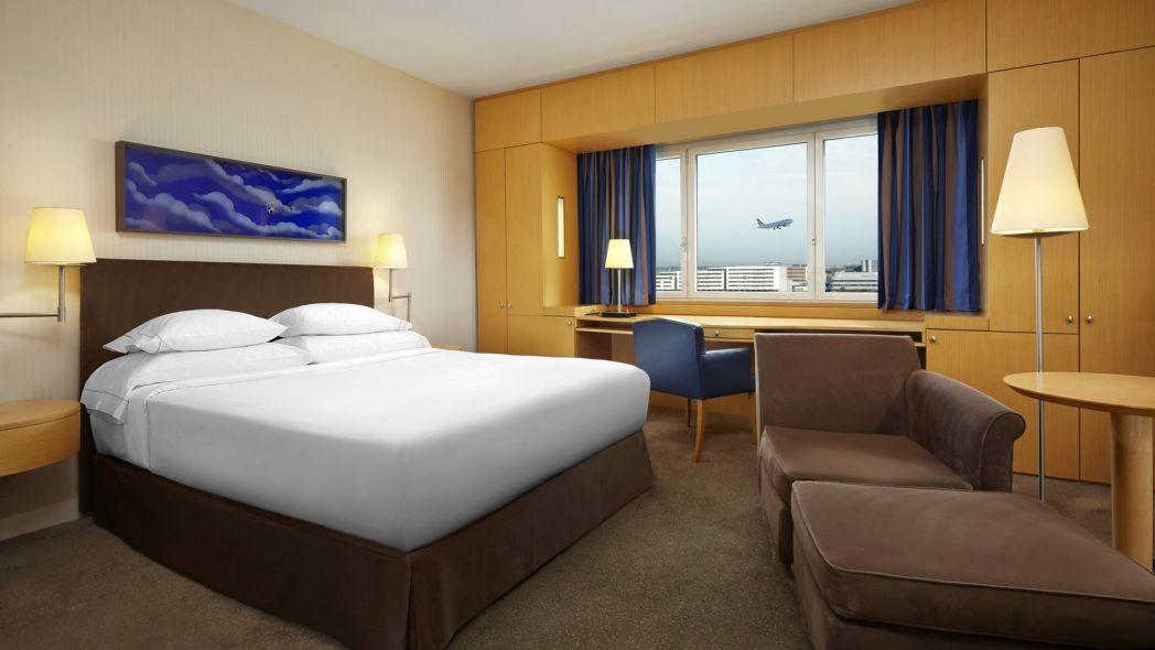 habitación del hotel Sheraton Paris Roissy Airport en París
