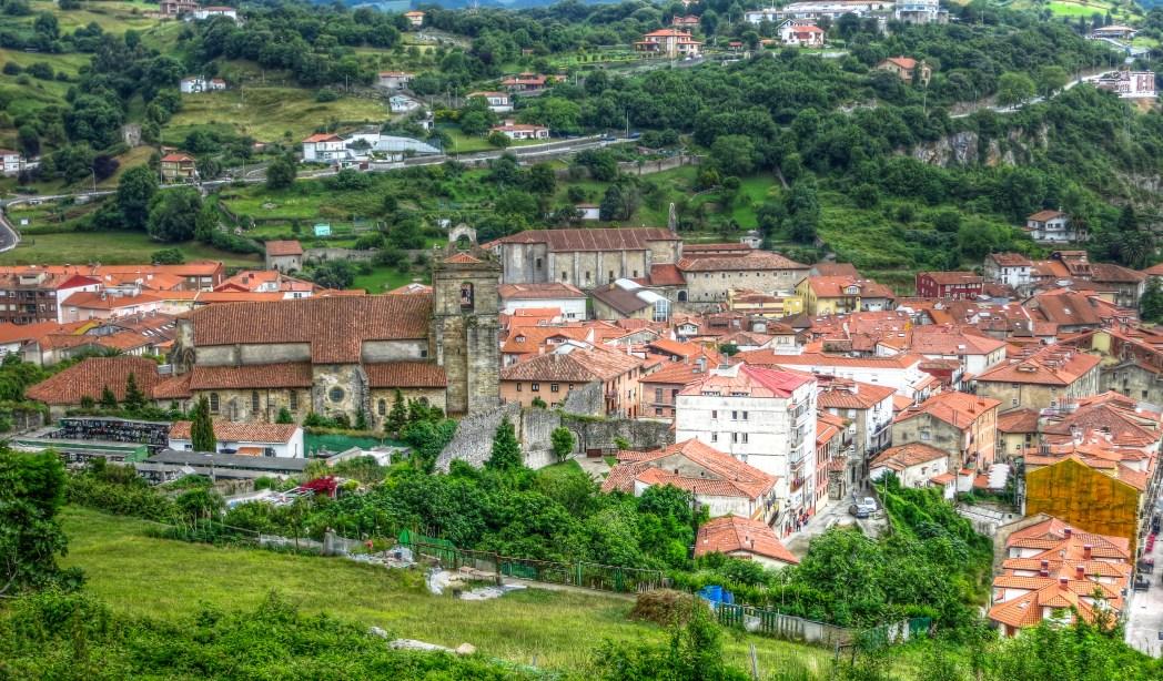 pueblo medieval de Laredo en Cantabria