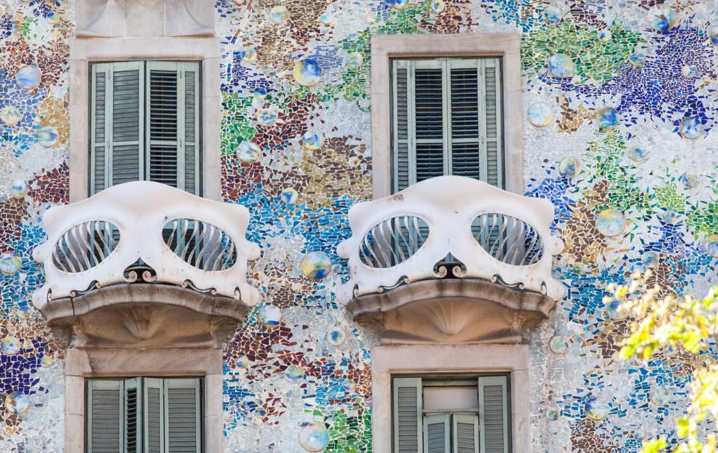 detalle de los balcones de la casa batlló
