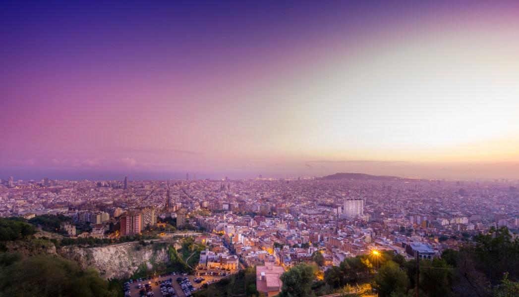 atardecer sobre Barcelona visto desde los búnkers del carmel