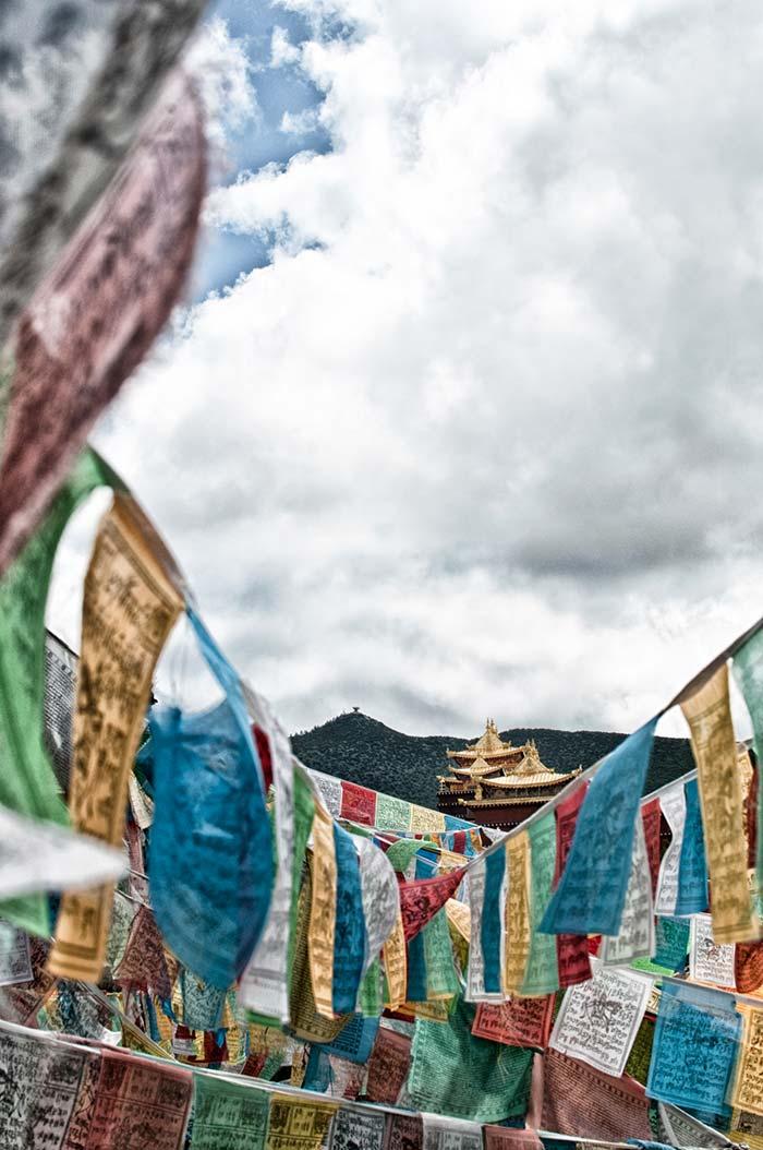 Templo budista en los alrededores de Shangri La