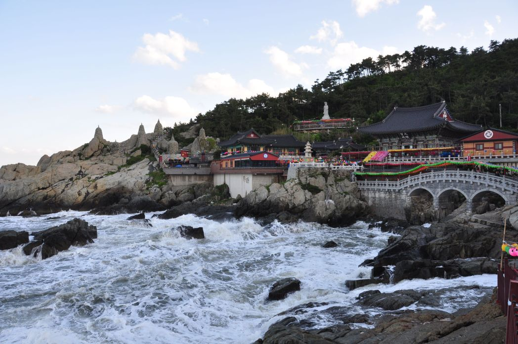 templo haedong yonggungsa foto de kris por el mundo