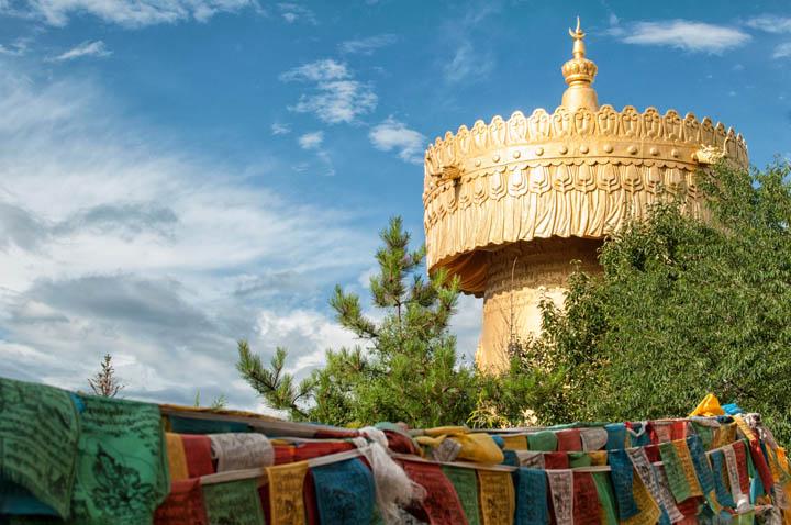 Templo dorado en Shangri La