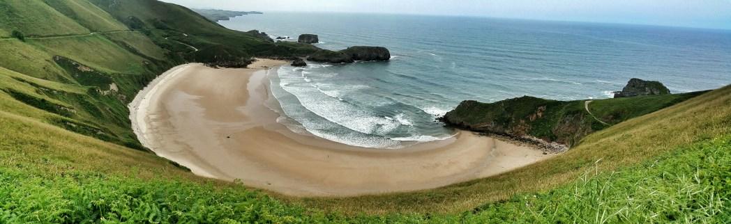 playa de Toribia cerca de Llanes, en Asturias